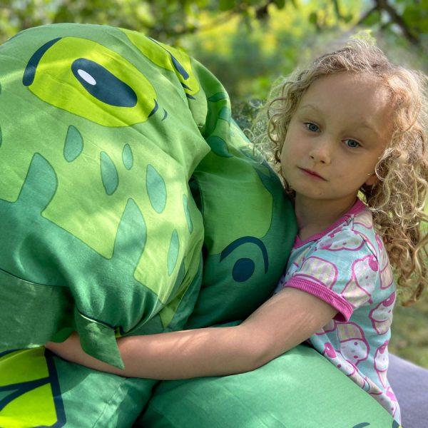 Krokodile Hug 2